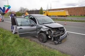 Nieuws: Auto raakt van de weg bij Beuningen, bestuurder komt met de