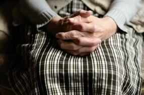 Nieuws: Bejaarde vrouw (91) slachtoffer van babbeltruc