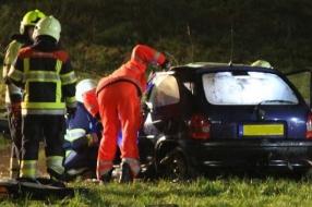 Nieuws: Bestuurder belandt met auto in water