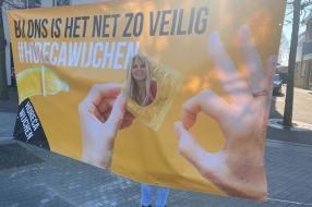 Nieuws: 'Bij ons is het net zo veilig', ondernemers met condooms naa