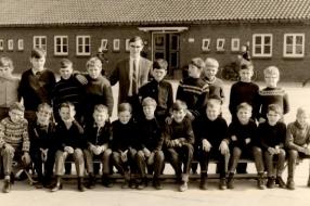 Nieuws: Gezellige reünie zesde klas Offerse St. Antoniusschool
