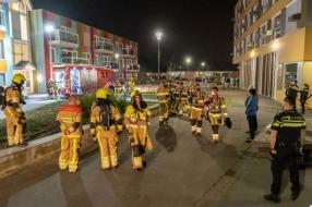 Nieuws: Grote brandweerinzet bij brand in appartementencomplex