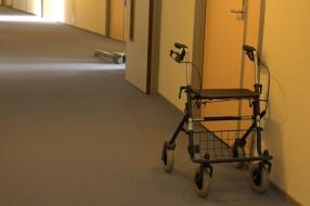 Nieuws: Heumen spreekt vertrouwen uit in verpleeghuis na negatief ra