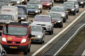Nieuws: Kettingbotsing met acht auto's op A73