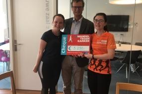 Nieuws: Lopen van Leiden naar Nijmegen: Julie en Heleen halen 5.250