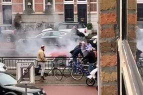 Nieuws: Roy (18) redt man uit brandende auto Den Bosch: 'Hij was hel