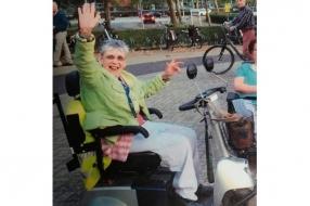 Nieuws: Scootmobieler Beppie (66) al uren vermist vanuit Malden