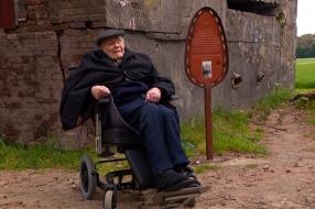 Nieuws: Toon (94) wilde nog één keer naar de plek waar zijn verwoest
