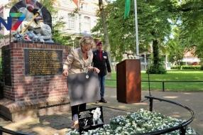 Nieuws: Veteranenvereniging onthult Witte Anjer Perkje