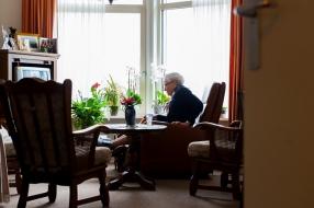 Nieuws: Wijchen wil zelfstandige woonvorm voor ouderen: 'Enige manie