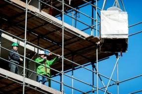 Nieuws: Woningtekort in Wijchen: gemeente moet honderden huizen bijb